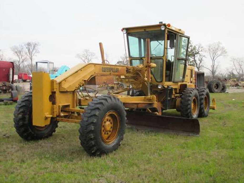 caterpillar 140g motor grader inspecting uses and its