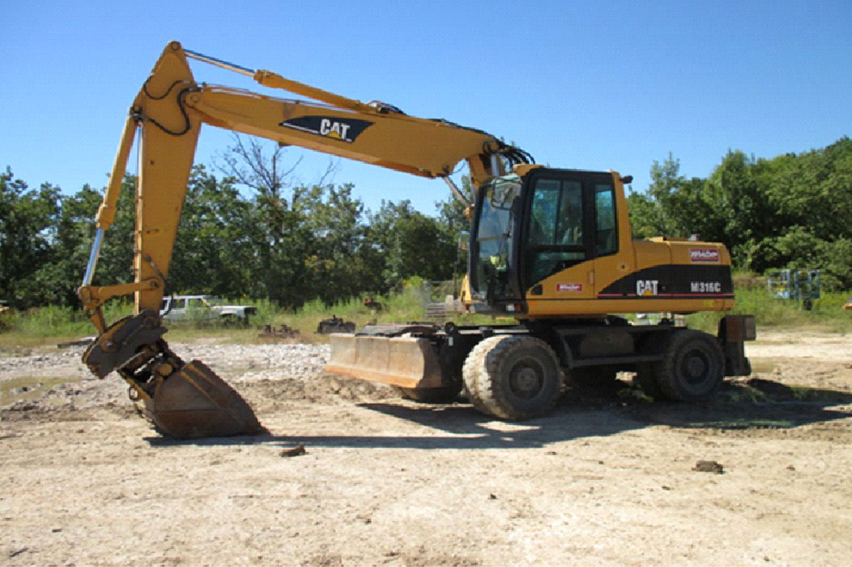 Steps For Excavators : Essential steps for operating caterpillar excavators