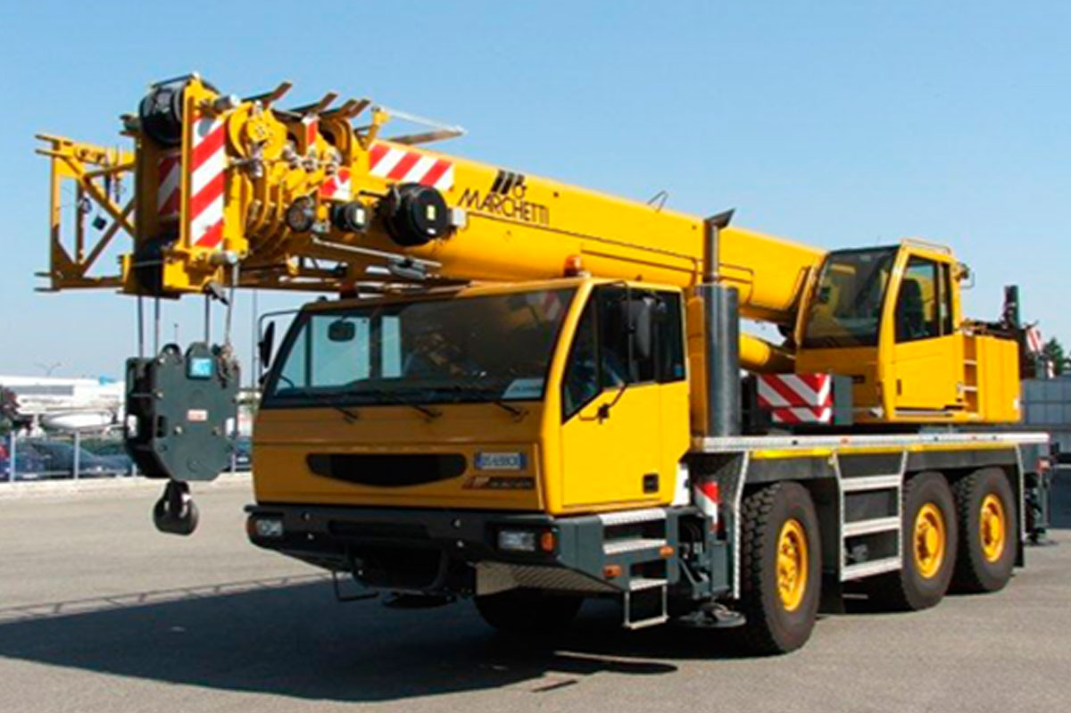 Types Of Mobile Cranes : Common mobile cranes and their heavy construction uses